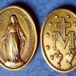 A medalha milagrosa: qual o sentido dos objetos abençoados?
