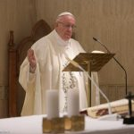 """Papa: o amor de Jesus é sem medida, não seguir os """"amores"""" mundanos"""