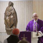 Papa: nada de ameaças no confessionário, mas o perdão do Pai