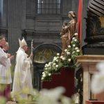 """Papa ordena 19 sacerdotes: """"Sejam próximos ao povo de Deus"""""""