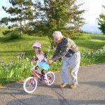 Feliz é a família que valoriza os avós